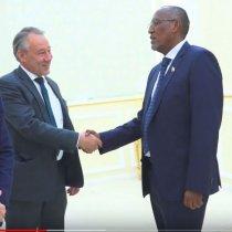 Hargeisa:-Madaxwaynaha Somaliland Muuse Biixi Cabdi Oo Qasriga Madaxtoyada Ku Qaabilay Wafti Ka Socda Midowga Yurub.