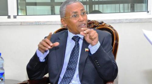 """""""Caalamku Wuxuu U Muuqdaa Inuu Abaal Marinayo Kuwa Fashilmay(Soomaaliya) Oo Uu Ciqaabayo Kuwa Guulaystay Somaliland.Wasiir Sacad Cali Shire"""