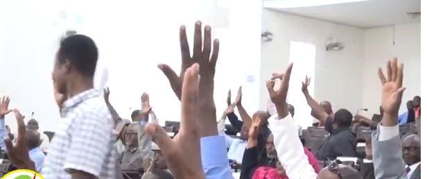 Hargeysa: Daawo Baarlamanka Somaliland Oo Ansixiyaya Xeerka Macdanta