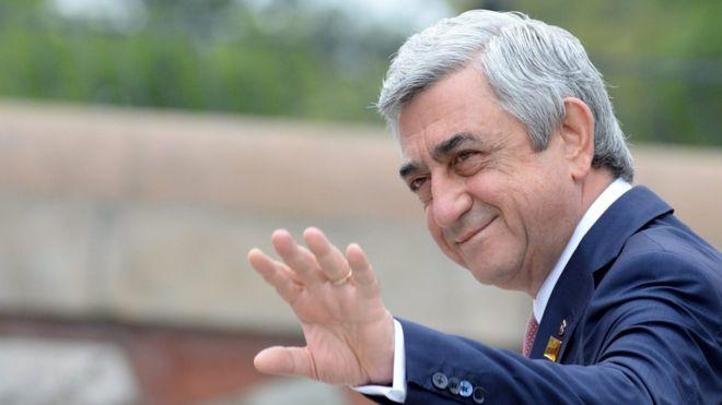 Caalamka:-Dadka Armenia oo u damaashaaday iscasilaadda Ra'iisulwasaaraha