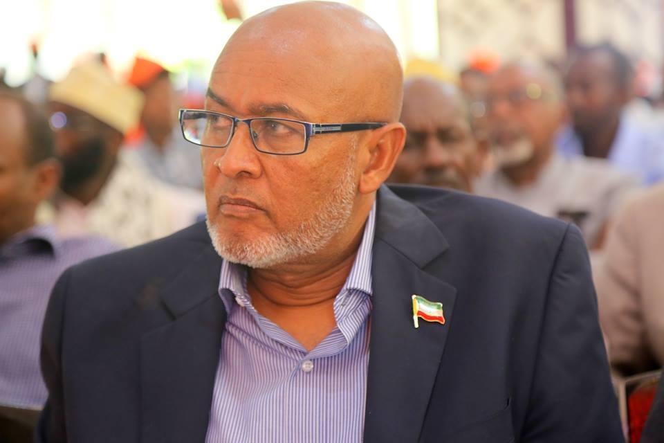 Gudoomiyaha Xisbiga Mucaaradka Ah Ee xisbiga Waddani Oo Ka Muqurtay Xaflada Caleema Saarka Madaxweynaha Cusub Ee Somaliland.
