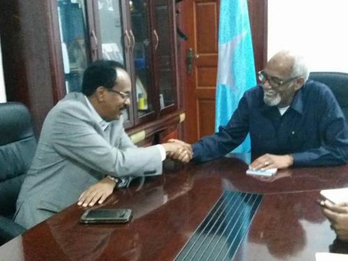 somaliya:-Madaxweyne Farmaajo Iyo Gudoomiye Jawaari Oo Ka Wada Hadlay Mooshinka Ka Dhanka Ah Jawaari -