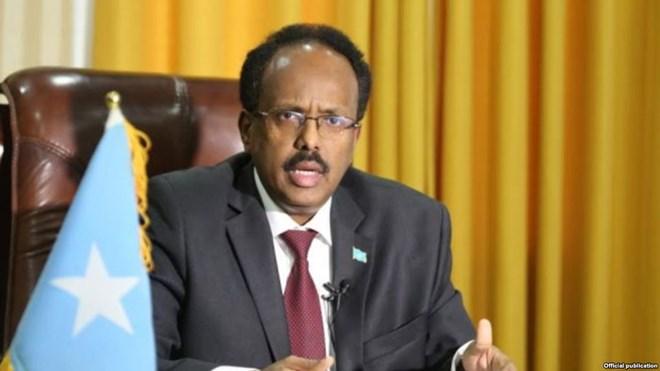 Somalia:- Madaxweyne Farmaajo oo si adag u cambaareeyay Qaraxii degmada Baraawe.