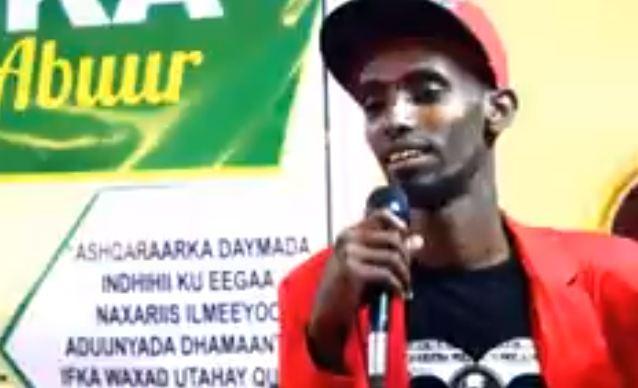 Burco: Daawo Abwaan Cabdiraxman Heello oo Beddelay Hees kuna Tilmaamay Heesti ugu Xumayd ee uu Beddelo