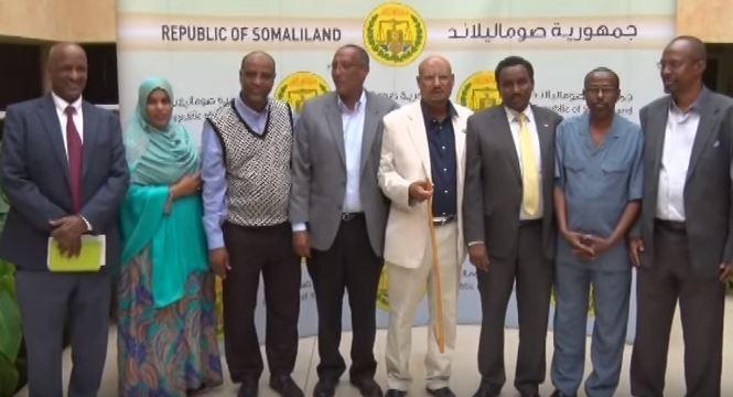 Komishanka Doorashooyinka Somaliland Oo Markii Ugu Horaysay Ka Hadlen Kulamadii Dhex Maray Sadexda Xisbi Qaran Dadka Is Diiwaan Geliyay Oo Uu Ka Hadlay