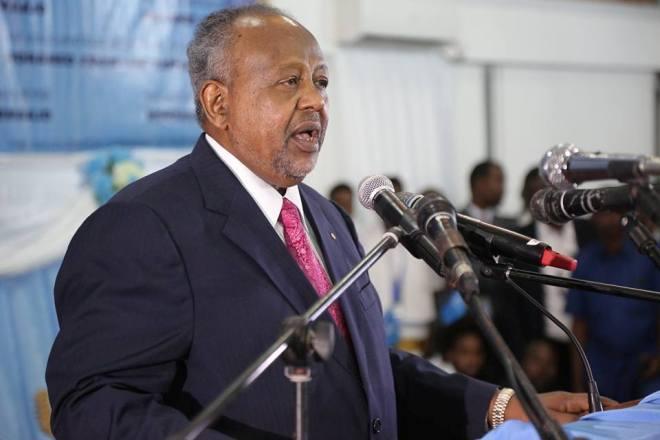 Madaxweynaha Jabuuti Ismaciil Cumar Geelle oo Madaxda Somaliyeed la Dar-daarmay ,uguna baaqay isku-duubni