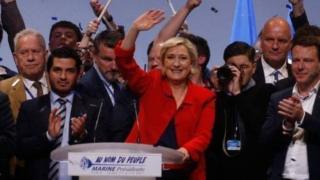 Marine Le Pen oo wacad ku martay in hadii la doorto ay kala diri doonto waaxda socdaalka