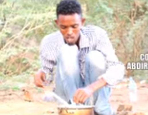 Burco: Daawo jilayaasha Deeq maroojiye iyo kooxdiisa oo film qosol badan ka sameeyey Ramadaanta iyo Dadka aan Soomin