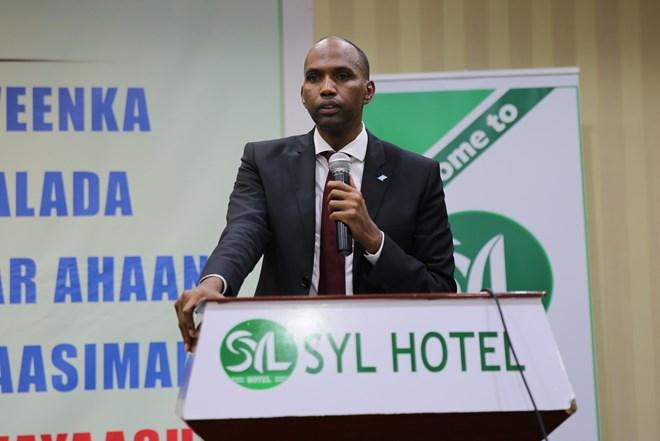 Raysal Wasaraha Somaliya Oo Fogayay Dadka Diidan Dawlada Fadraalka Somaliya