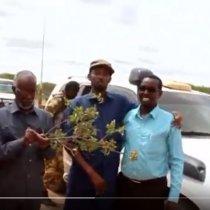 Daawo;Wasiirka Arimaha Gudaha Somaliland Yaasiin Xiin Fartoon Iyo Wafti Uu Hogaaminaya Ayaa Gaadhay Degaanka Dharkayn Geeyo