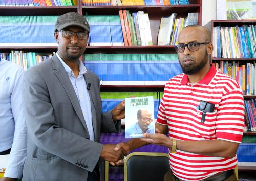 SHIRKADDA TELESOM OO BUGAAG UGU DEEQDAY MAKTABADDA QARANKA SOMALILAND (SAWIRO)