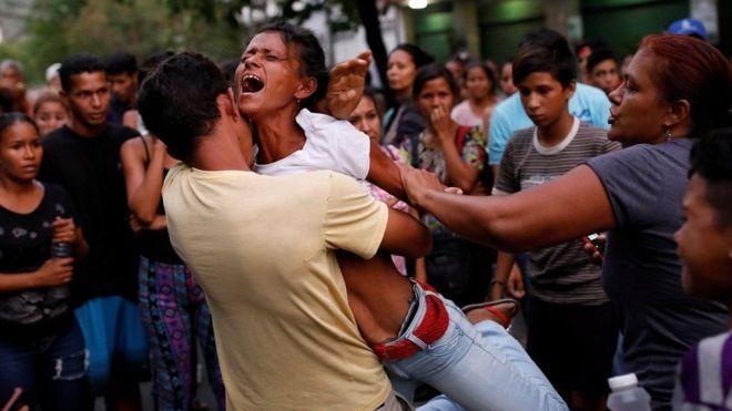 Venezuela:-68 ruux oo ku dhintay dab ka kacay xabsi Venezuela ku yaalla