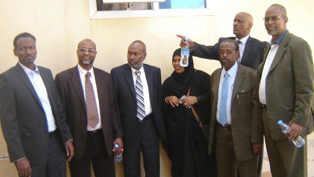 Deg-deg : Guddida Doorashooyinka Somaliland oo La Hadlay Warbaahinta