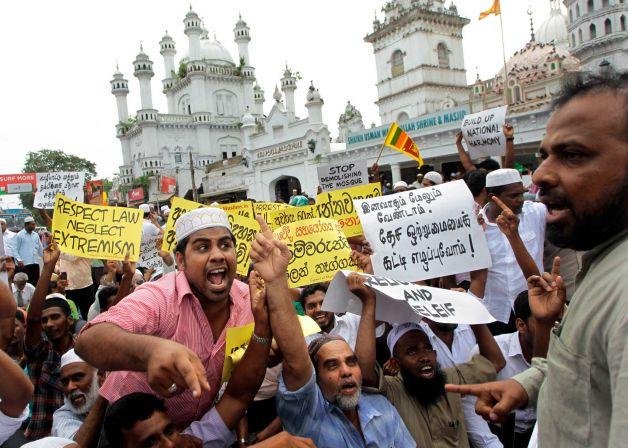 Sri Lanka: Muslimiinta oo ka baqayaan weeraro dheeraad ah inta lagu jiro salaadda jimcaha.