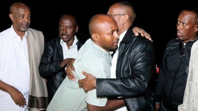 Hargeisa:-Wiil Afartan habeen jira iyo walaashii oo uu Daad ku Qaaday Maagalada Hargeysa+ Madaxweynaha Somaliland Oo Booqaday Qoyska.