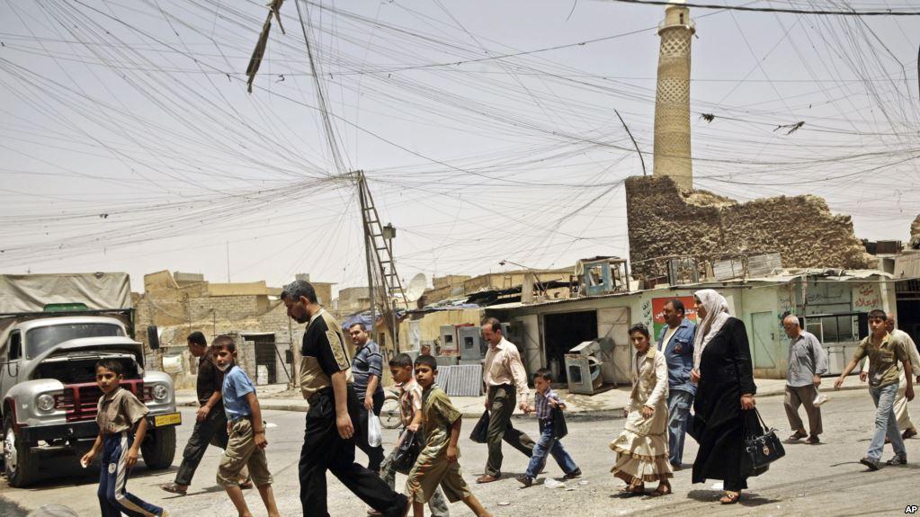 Masjidkii Ugu Waynaa Mosul Oo La Bur-buriyey Iyo Maraykanka & Daacish Oo Isku Tuur-tuuray.