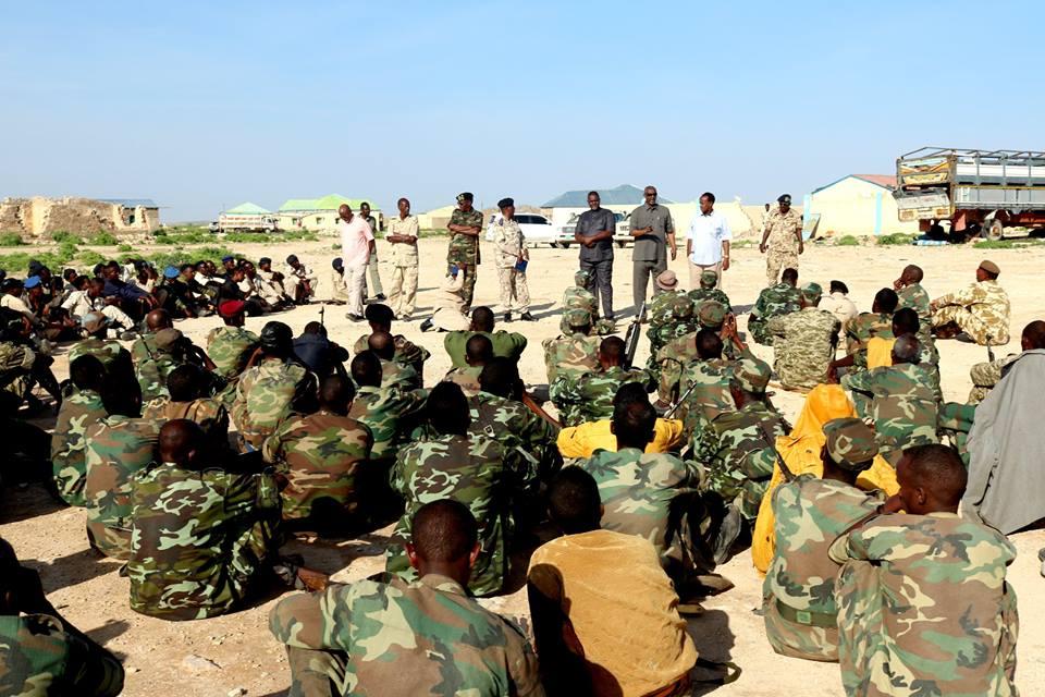 Ceel-Afwayn:-Wasiirka Arimaha Gudaha Somaliland Oo Amaro Duldhigay Ciidamada Birmadka Ee Ku Sugan Deeganada Lagu Dagalamay