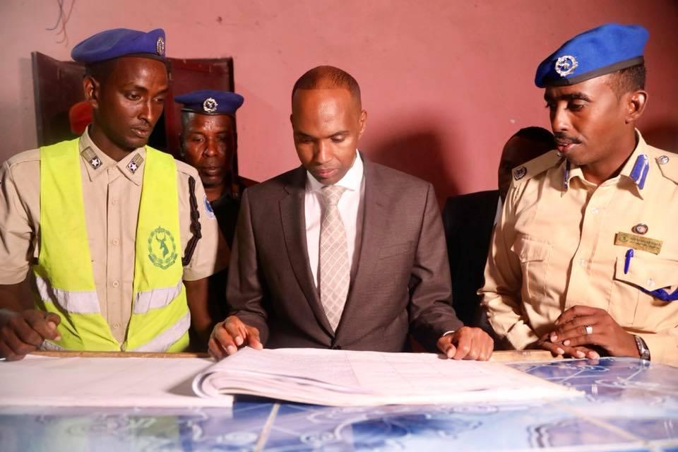 Somalia:- Raiisal Wasaaraha Somaliya oo xalay kormeeray Saldhiga Degmada Hodan.