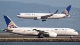 United Airlines oo isbadal ku samaysay qaabka ay tigidhada u goyso