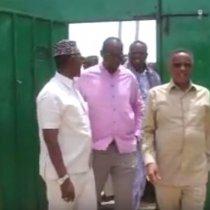 Laascanood:-Gudoomiyaha Golaha Wakiilada Somaliland Oo Kulan La Qaatay Maamulka Gobolka Sool, Deeq Xoolaha Ku Wareejiyay Salidhiga Dhex.