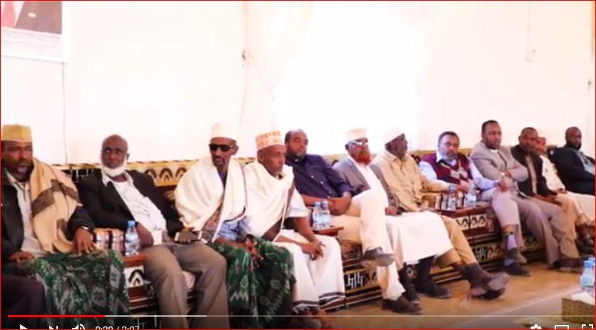 DAAWO Madaxwaynaha Cusub Ee Somaliland Muuse Biixi Cabdi Oo Kulan La Qaatay Salaadinta Somaliland Ka Mid Ah Iyo Arimaha Uu Darnaa Kulanku.