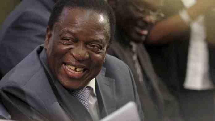 Madaxweyne Ku-xigeenkii Hore Ee Zimbabwe Oo Dib Ugu Laabtay Dalkiisa Si loogu Dhaariyo Xilka uu iska casilay Mugabe