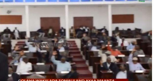 DAAWO Golaha Wakiilada Somaliland Oo Maanta Ansixiyay Qaarka Ka Mid Ah Golaha Wasiirada Xukuumada Muuse Iyo Khubadihii Ay Halkaas Ka Jeediyeen.