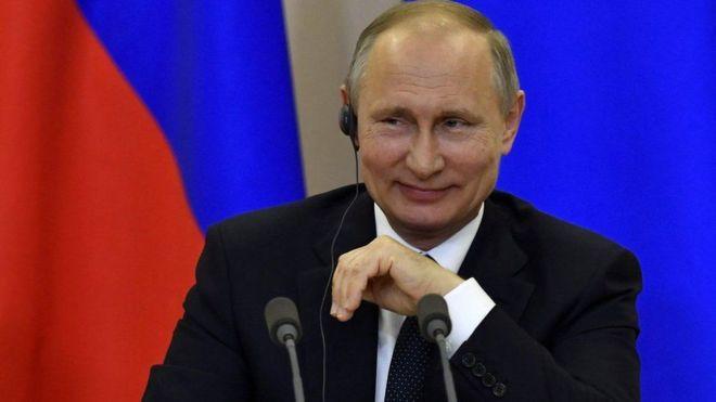 Madaxweyne Putin oo booqanaya Paris