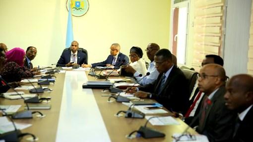 Somalia:-Golaha Wasiirrada Soomaaliya oo meel mariyay sharciga duulista hawada+Maxay Ay Ka Yidhi Dagaallka Tuka-raq.