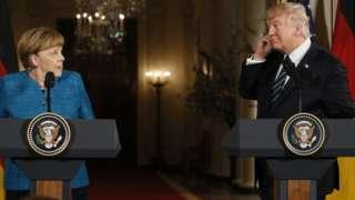 Trump: Aniga iyo Merkel waa nala basaasay
