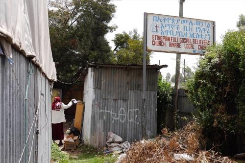 Rwanda:- Dawladda Rwanda ayaa albaabada u laabtay kumaanaan ka mid ah kiniisadaha ku yaala dalkaasi.