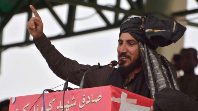 Pakistan:-Nin Dhalinyaro Ah Oo Gilgilay Millatariga Dalka Pakistan