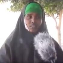 Daawo:Haweenay lagu Qabtay Gudaha Muqdisho Oo Uu Qabay Sarkaal Kamida Ururka Alshabab Oo Fashilisay Siro Badan,Kuna Baaqday In La Dilo Madaxweyne Farmaajo.