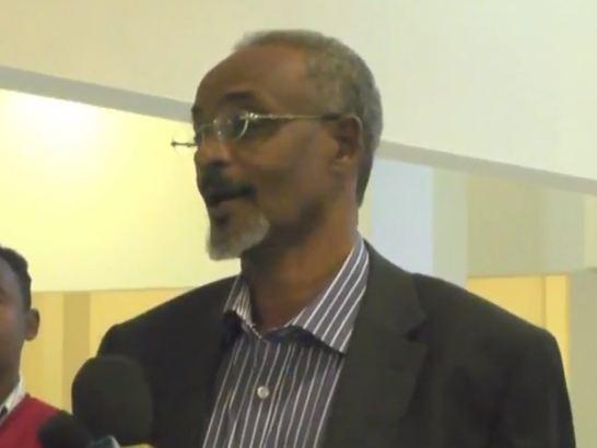 Daawo:Qoraayo Reer Somaliland oo Casuumad Casho ah u Sameeyey Wasiirka Warfaafinta Guribarwaaqo