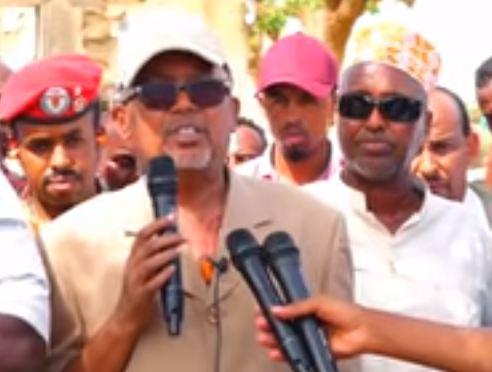 Lughaya: Madaxweyne kuxigenka somaliland oo gurmadki u horeeyey gaadhsiiyey deeganadii duufaantu khasaarh gaadhsiisay