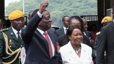 Madaxweynaha cusub ee Zimbabwe oo awoodda la wareegay