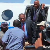 Daawo:Wadahadalka Khaatumo Iyo Dawlada Somaliland Oo Bilaabmayaa+ Hogaamiyaha Khatumo Oo Maanta Duulay.