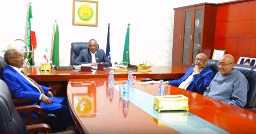 Hargeisa:- Madaxwaynaha Somaliland Oo Kulan La Qaatay Gudoomiyeyaasha Xisbiyada Mucaaradka Somaliland Iyo Arimaha Ay Ka Wada Hadleen.