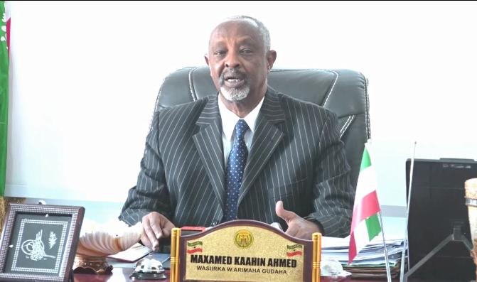"""Deg Deg :- """" Tuko-Raq Waa Dhulkii Somaliland """" Wasiirka Arimaha Gudaha Somaliland Oo U Hanjabey Puntland + Muuqaal"""