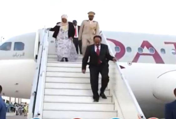 Somallia:-Madaxweynaha Somalia Oo Dalka Dib Ugu soo Laabtay Iyo Arimo Xasaasiya Oo Uu Ka Hadlay+Maxaa Uu Ka Yidhi Arimaha Tuka-raq.