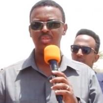 Daawo:Wasiirka Hawlaha Guud iyo Guryeynta Somaliland Oo Soo Kormeeray Wadada isku Xidha Hargeysa Ilaa Kala Baydh oo Dhismaheeda La Bilaabay.