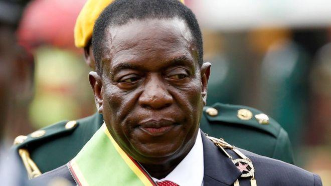 Zimbabwe:-(afkashacabka) Madaxwaynaha cusub ee Dalka Zimbabwe Emmerson Mnangagwa ayaa ku dhawaaqay Golaha wasiirada cusub ee xukuumadiisa kadib markii todobaadkii hore loo dhaariyay Madaxweynaha dalka Zimbabwe.