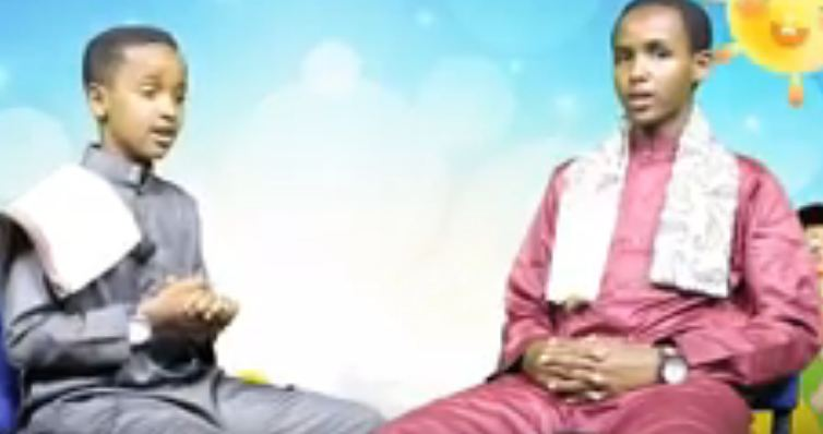 Hargeysa: Daawo Waraysi Xiiso Badan oo Dhex Maray Qoraa Cabdishakuur iyo Suxufiga ugu Da'da yar Somaliland