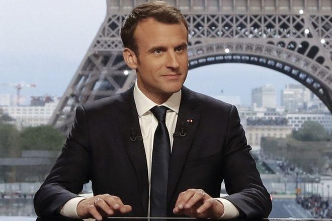 """France- Macron oo Trump """"ku qanciyay"""" in ciidammada Maraykanku aysii joogaan Suuriya."""