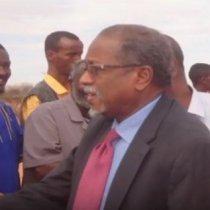 Dhegayso:Prof,Cali Khaliif Galaydh Oo Ka Hadlay Safarka Uu Ku Tagay Magaalada Caynaba Iyo Natiijada Kasoo Baxday Kulam Ay La Qaateen Wasiiro Ka Tirsan Xukuumada Somaliland.