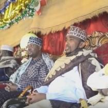 Daawo;Daawo:Suldaan Barkhad Cabdi Sheybe Oo Maanta 5ta Arda Beelaha Adan Madoobe Caleemo Saaren Iyado Salaadiinti Ugu Badnayd ee Ka Kala Socday Gobolada Somaliland Ka Soo Qaybgaleen.