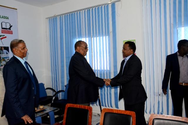 Madaxwaynaha Qaranka Somaliland Oo Kormeer Shaqo Ku Tagay Xarumaha Wasaradaha Dalka Isogo Boqday Xarunta Hay'ada Shaqlaha Dawlada.+Sawiro