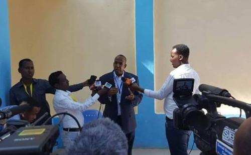 Xildhibaano Ku Gacan Saydhay Magacaabista Golaha Wasiirada Somaliya.
