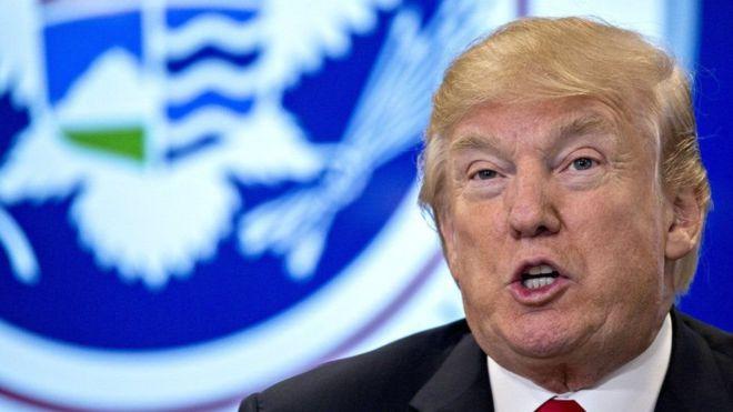 Trump oo ka digay in aan la carqaladeyn baaritaanka lagu waddo dowrkii Ruushka