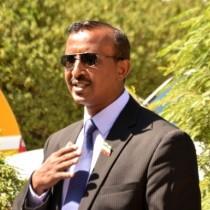 Daawo:Afhayeenka Madaxtooyada Somaliland Oo Is Bar Bardhig Ku Sameeyey Madaxwaynaha Maratkanka Iyo Murashaxa Madaxwayne Ee Xisbiga Kulmiye Muuse Biixi Cabdi